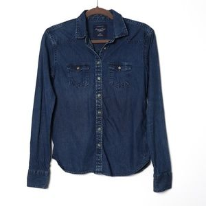 American Eagle   Denim Chambray Button Up
